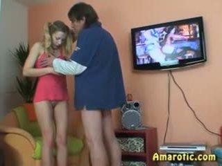 I vjetër njeri - i ri vajzë: falas adoleshent porno video 13