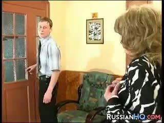 नानी, ओल्ड + युवा, रूसी