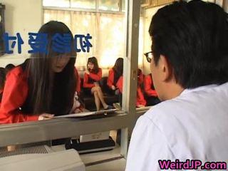 Asiática meninas getting um amoral sexo