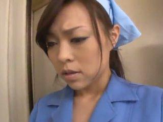 Chinesa janitor reiko nakamori eats ejaculações enquanto shagging em um band bonk