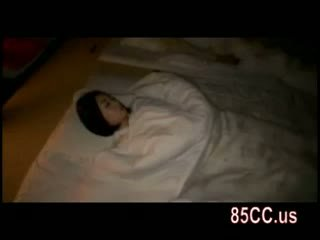 Vaimo perseestä mukaan husbands ystävä päällä the sänky 05