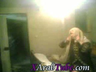 I fshehur hijab seks kamera