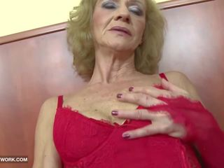 Interraciaal porno - oma likes het ruw gets anaal.