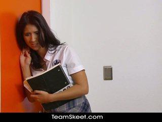 brunette, student, buit