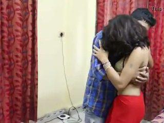 Desi milf's mamas fondled realmente difícil por salesman ## hindi quente curto filme