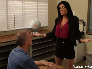 Grande titted instructor romi lluvia having follando onto erótico america