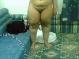 Arab ώριμος/η πόρνη γυμνός επί σπέρμα