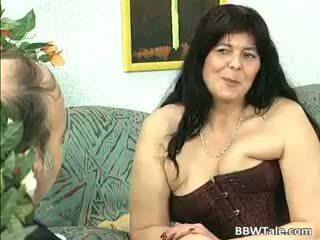 Melnas mati pieauguša lielas skaistas sievietes palaistuve gets viņai part2