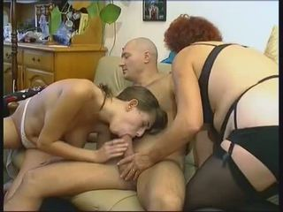 60 milfs orgie anaal