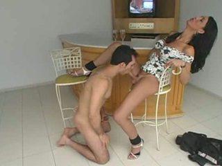 Guapa marcela dominates su lover