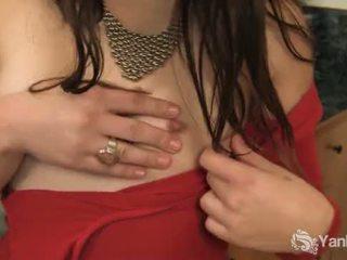 Mazs breasted dusty finger viņai matainas twat