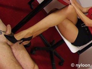 Nylon pantyhosed tajemník gives čištěnípráci a nohapráci