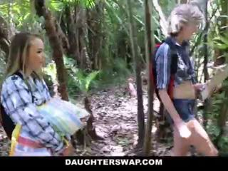 Daughterswap- hooters daughters caralho dads em camping viagem <span class=duration>- 10 min</span>