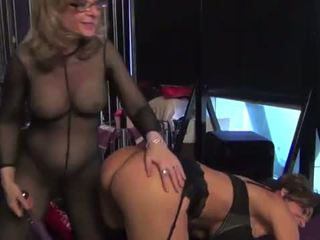 Nina hartley toying و dominating لها جبهة مورو slut-25734 mp4574