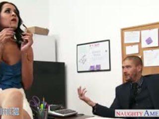 Mamalhuda morena abby lee brazil caralho em escritório