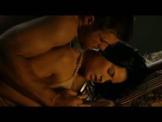 Katrina कानून हॉट टिट्स में nude/sex दृश्यों