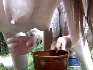 Бременни фетиш уличница е синигер milked
