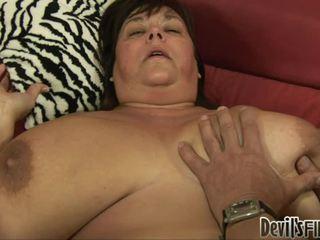 Bbw receives gelukkig en enjoys een goed hard weenie in haar corpulent poesje