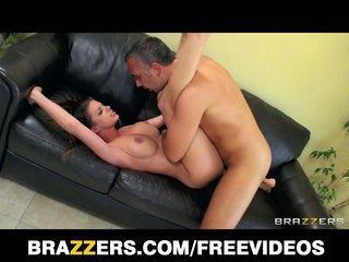 Brooklyn chase has noen stor pupper og en passion til anal sex