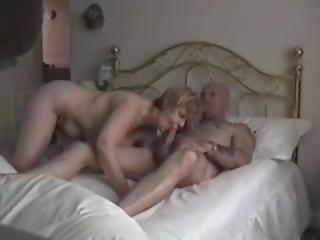 Zajebal kot a pes 2000, brezplačno saggy prsi porno 36