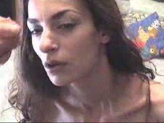 Ελληνικό κορίτσι receives ένα χύσιμο στο πρόσωπο βίντεο
