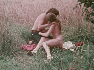 Hungry Nymphos: Free Vintage Porn Video a2