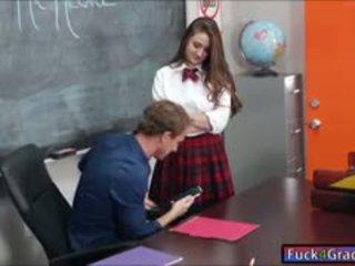 女学生 elektra rose 他妈的 由 老师