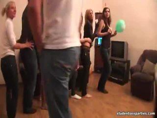 Célèbre étudiant sexe parties shows agréable collection de hd porno obscène clips