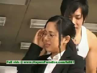 Sora aoi innocent nerātnas aziāti sekretāre enjoys getting