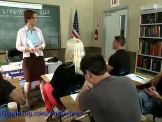 Kink: quente professora dreams sobre gangbang