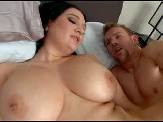 Velika titty bath ends up umazano