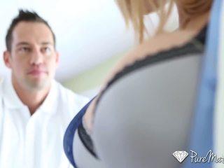 Puremature - karstās guy interviewed un fucked līdz krūtainas mammīte alyssa lynn