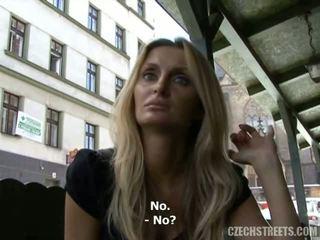 Tjeckiska streets - lucka avsugning video-