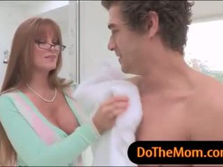 स्टेपमोंम darla crane थ्रीसम सेक्स साथ किशोर की उम्र पर the बिस्तर
