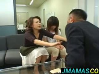 Miki yoshii und mutter mouths gefickt von men