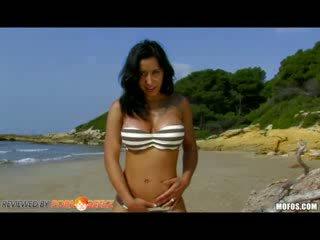 Dolce elektra stor meloner latin snäva puss beach amatör doll