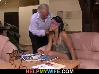 Vicious 妻子 gets 性交 在 前 的 她的 丈夫