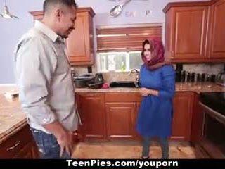 Teenpies - muslim lány praises ah-laong pöcs