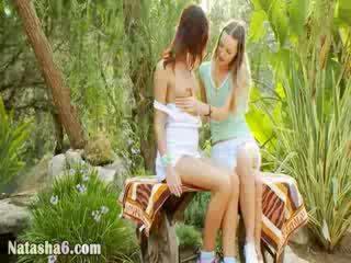 Lesbietes sharing patiešām liels vibrātors