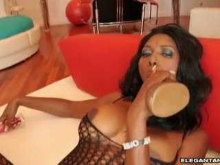 Nyomi banxxx feels the masiv jucărie 10 pounder dipping real greu în ei meatcave