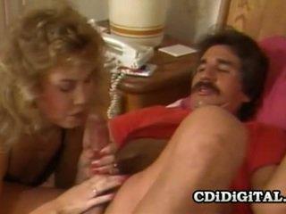 Sheena horne y blondie bee cachonda sexo situación