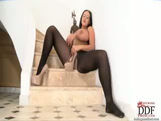 brunette, grote borsten, masturbatie
