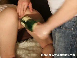 Ekstrēms double fisting un šampanietis pudele jāšanās