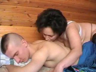 Mabuk warga rusia ibu seduces yang youth