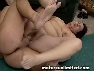 Two gros mamans bellys et bite bite