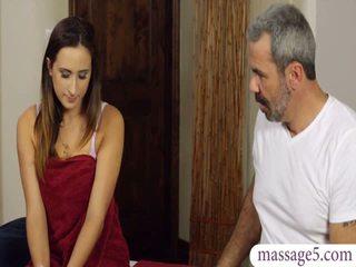 Sexy klant ashley adams poesje banged door geil masseur