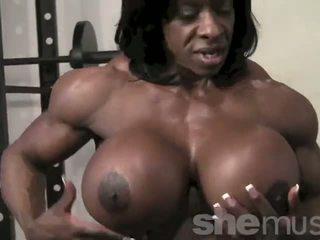 ईबोनी female muscle