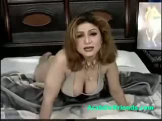 Chubby arab mature woman shakes her big boobs on amateur film