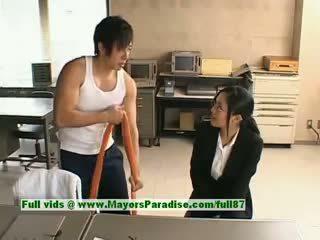 Sora aoi innocent styggt asiatiskapojke sekreterare enjoys getting