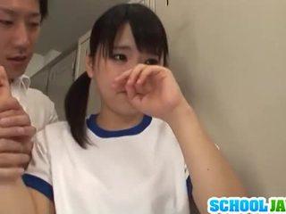 Japans babe tsuna nakamura is geneukt door two guys
